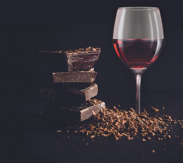 Chocolate & Wine Gift: Red Wine and Dark Chocolate