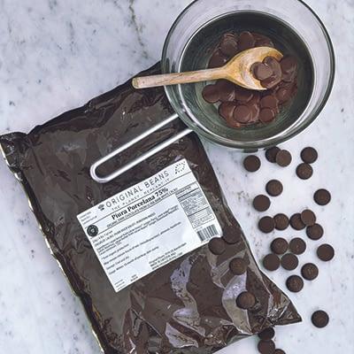 Original Beans Femmes de Virunga 55% Chocolate Buttons Milk Chocolate Couverture 2kg